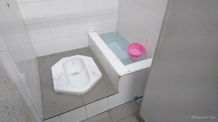 タイの公衆トイレ