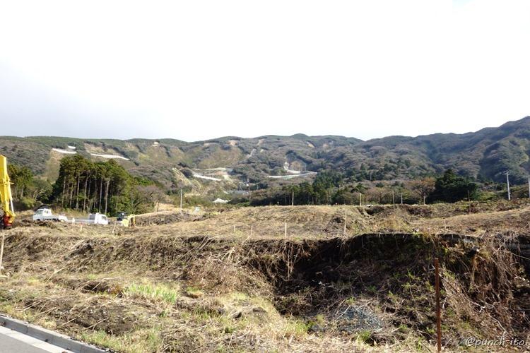 土砂が流れた三原山外輪山