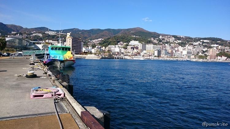 熱海から伊豆大島へのジェット船
