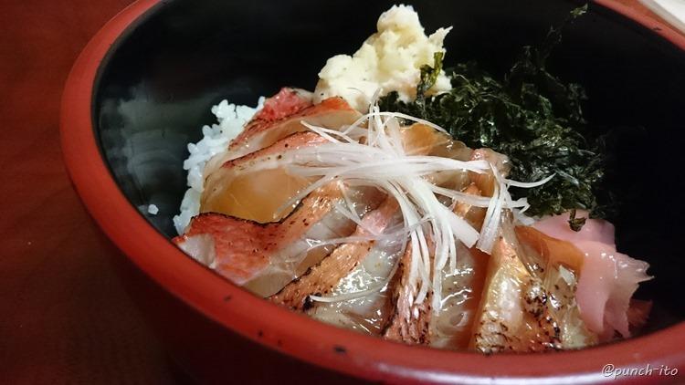 伊豆大島どんどん亭のべっこう丼